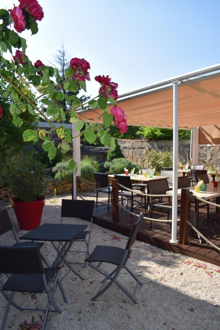 restaurant terrasse marsannay la c te dijon chen ve la table du rocher. Black Bedroom Furniture Sets. Home Design Ideas